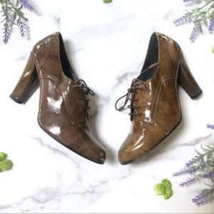 Stuart Weitzman Olive Patent Leather Oxford Heels